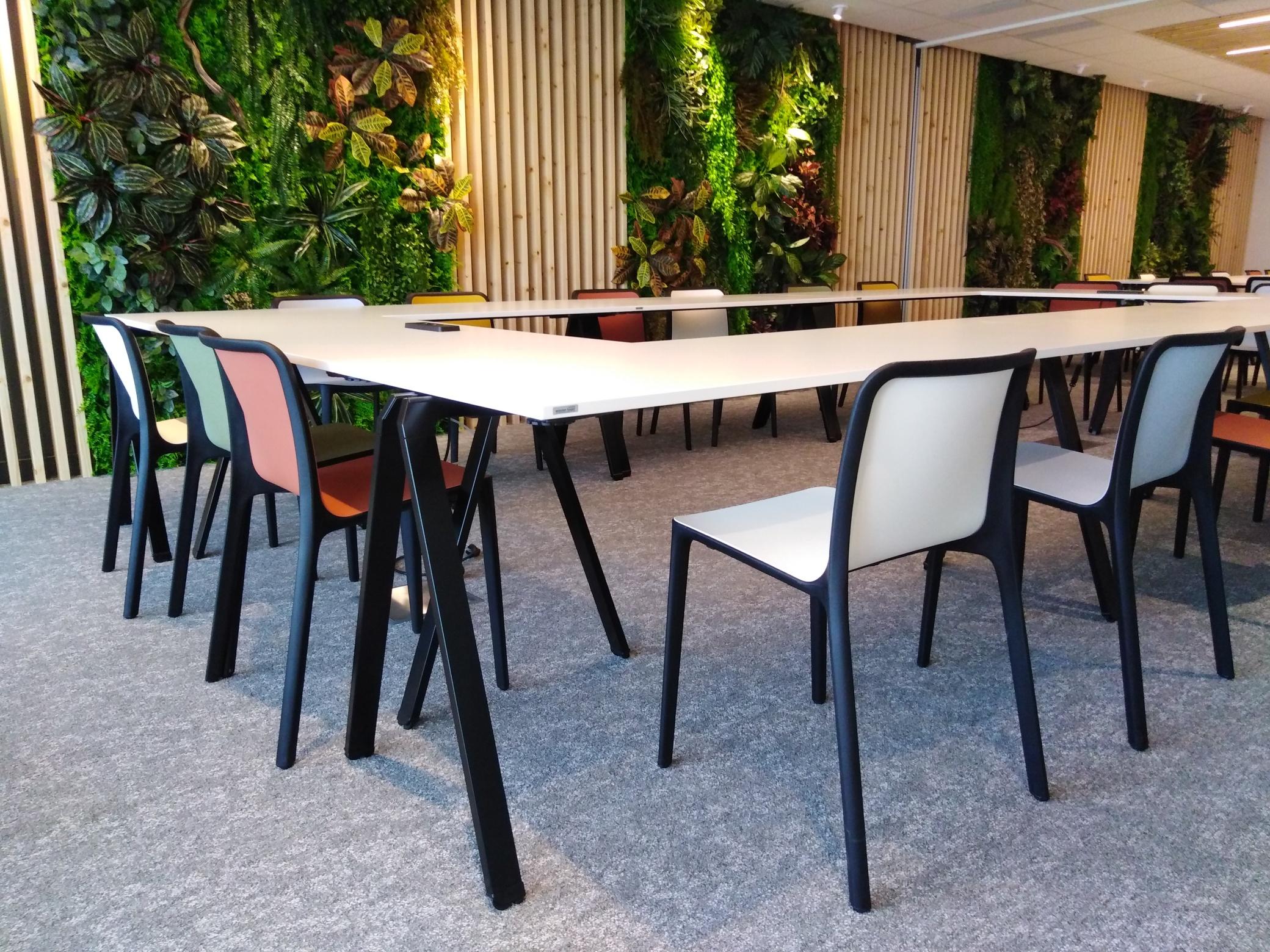 Spécialiste de l'aménagement des espaces de travail en Bretagne